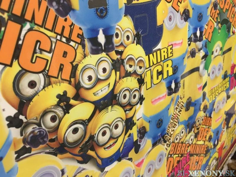 Sticker bomb 100cm x 152cm Minions