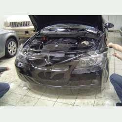 priesvitna ochranna folia na auto